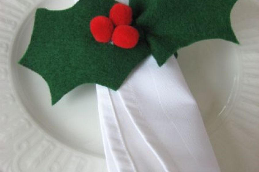Making Felt Holly Napkin Rings